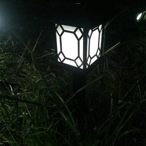 lampe solaire de jardin décorative éclairage