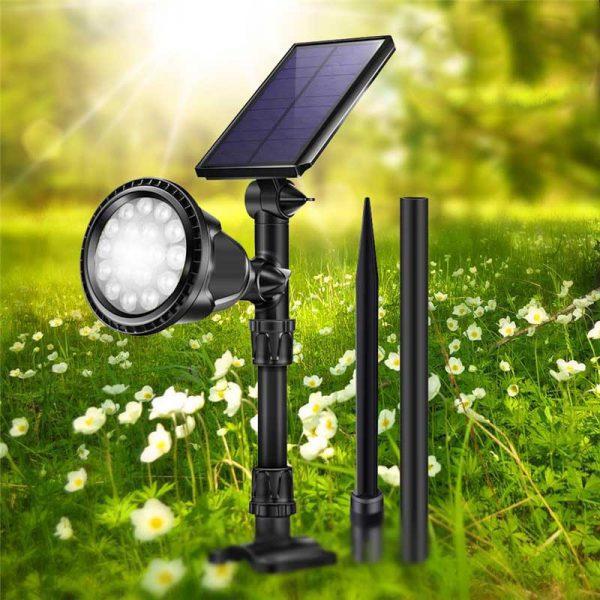 Lampe solaire sur piquet jardin