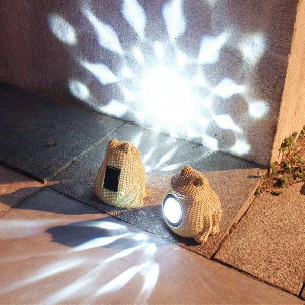 lampe solaire grenouille jardin