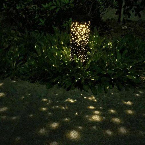 lampe solaire à piquer jardin