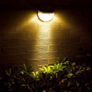 lampe solaire escalier extérieur lumière chaude