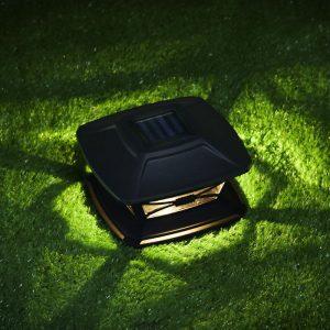 lampe solaire a poser sur poteau noire