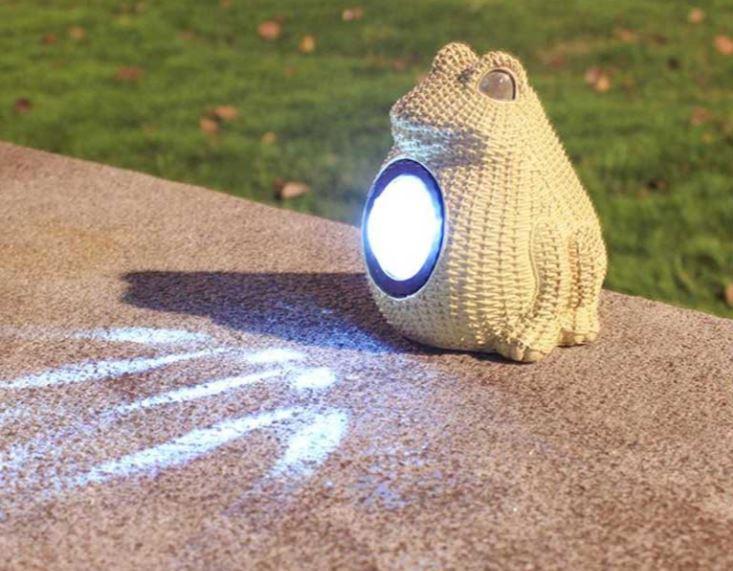 lampe solaire grenouille de jardin