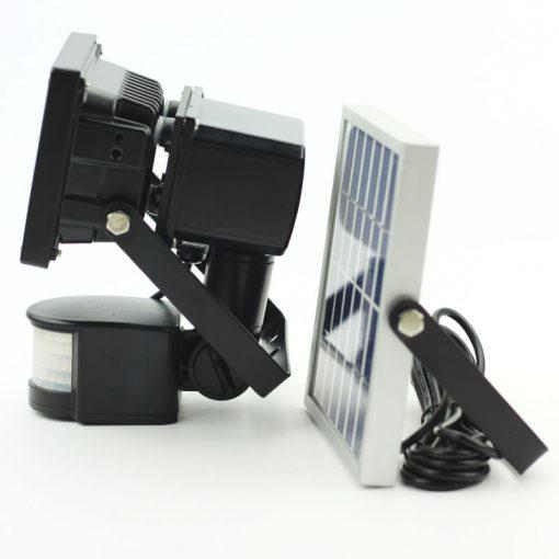 projecteur led solaire avec detecteur de mouvement puissant