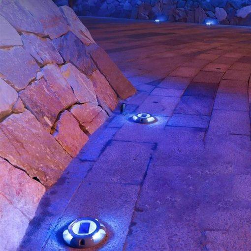 spot solaire éclairage bleu allee