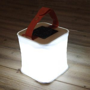 lampe camping solaire led puissante