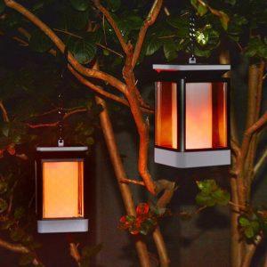 lanterne solaire avec flamme vacillante jardin