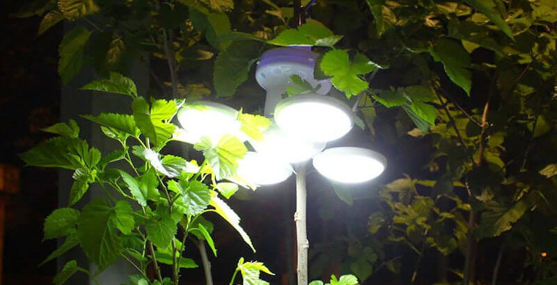 lampe solaire camping a suspendre