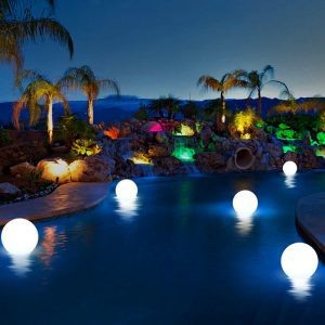 boule lumineuse solaire piscine
