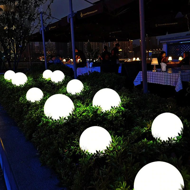 boule lumineuse solaire terrasse